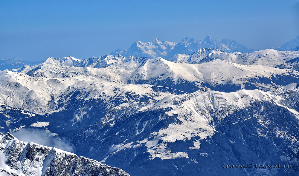Вид на австрийские альпы со смотровой площадки на высоте 3250.
