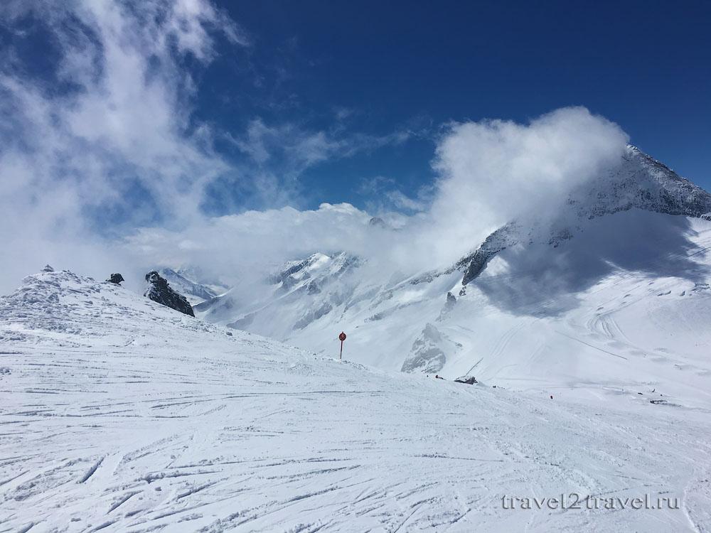Спуск по красной трассе №5 ледник Хинтертукс