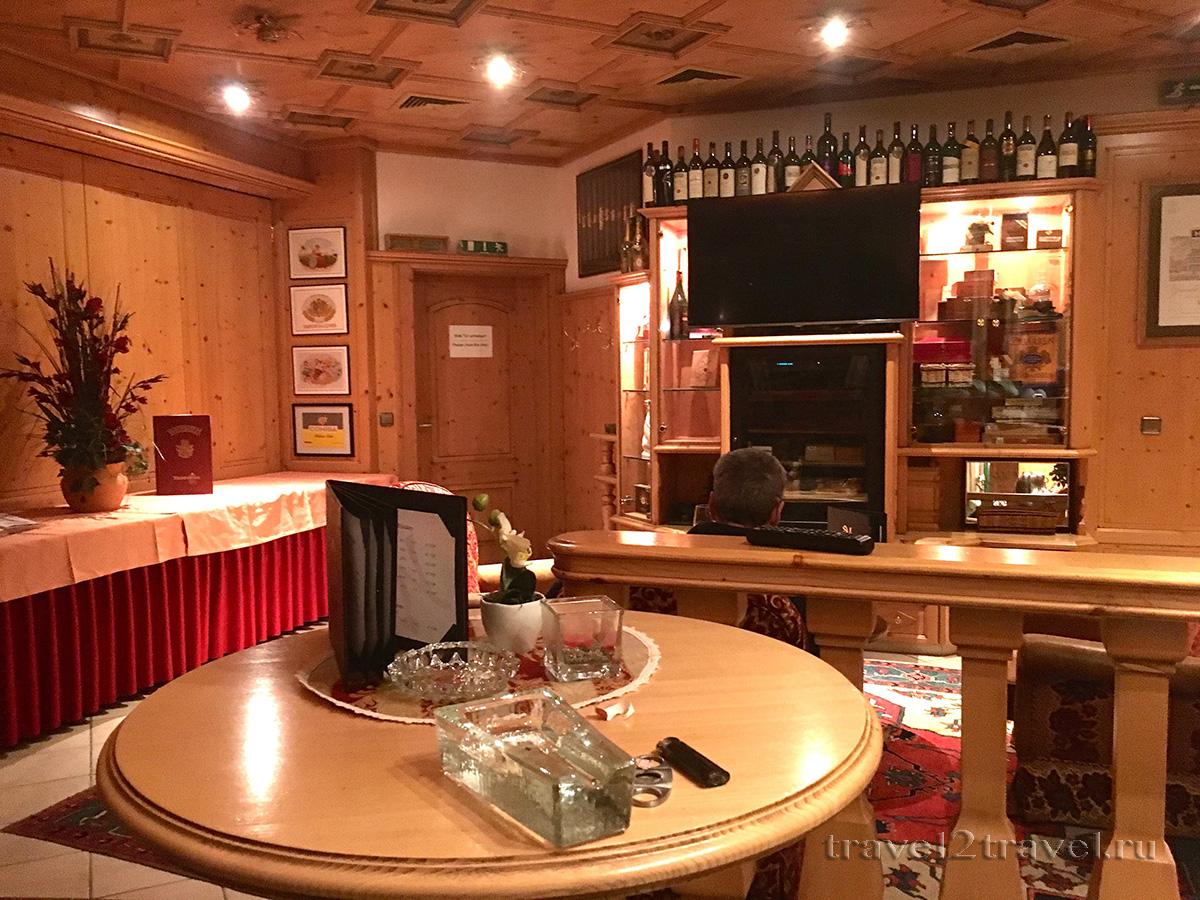 Сигарная комната в отеле Gletscher & Spa Neuhintertux
