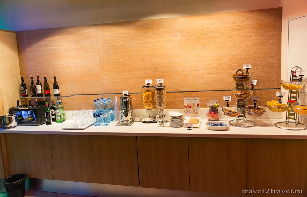 Алкогольные напитки в бизнес-зале Блюз (Blues) Шереметьево, вино