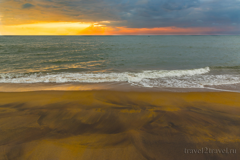 пляж Калутара Шри-Ланка, Kalutara Beach Sri-Lanka песок