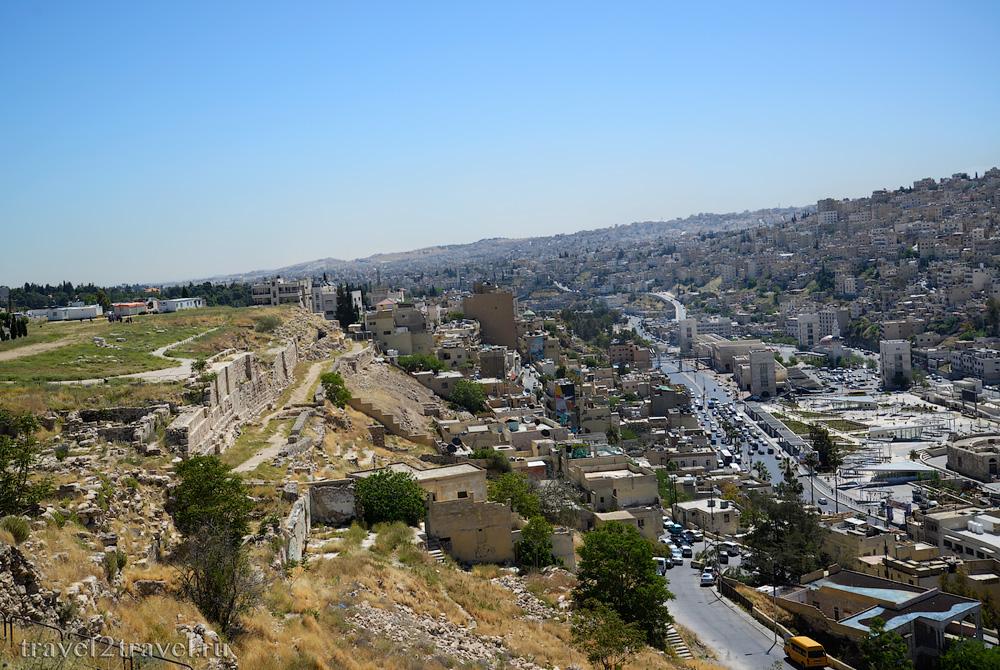 стены цитадели Аммана Jebel-el-Qalaa