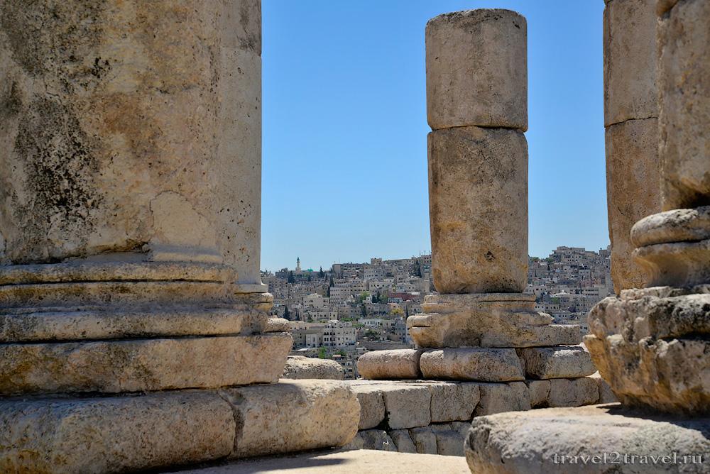развалины храм Геркулеса (Hercules Temple) цитадель Аммана Jebel-el-Qalaa