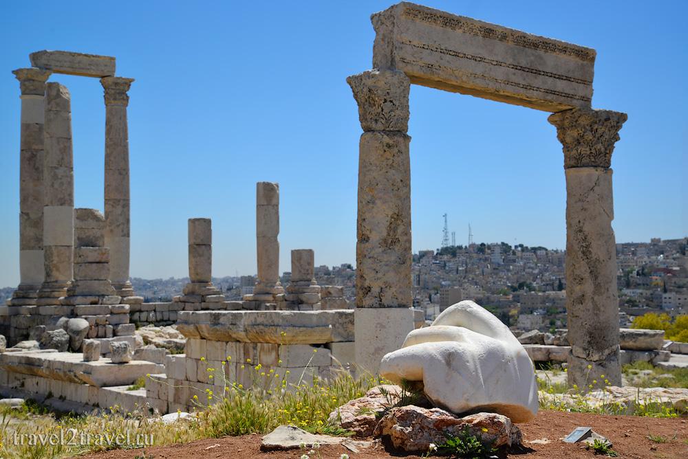 рука Геркулеса храм Геркулеса (Hercules Temple) цитадель Аммана Jebel-el-Qalaa