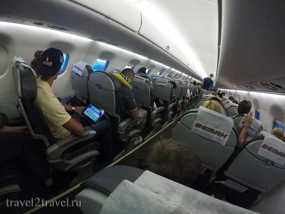 салон Embraer 190 рейс YM-612 Тиват-Москва Montenegro Airlines отзыв