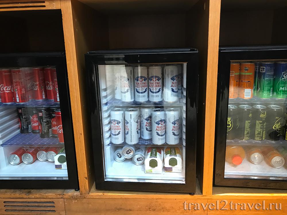 спиртные напитки в бизнес-зале в Неаполе Priority Pass