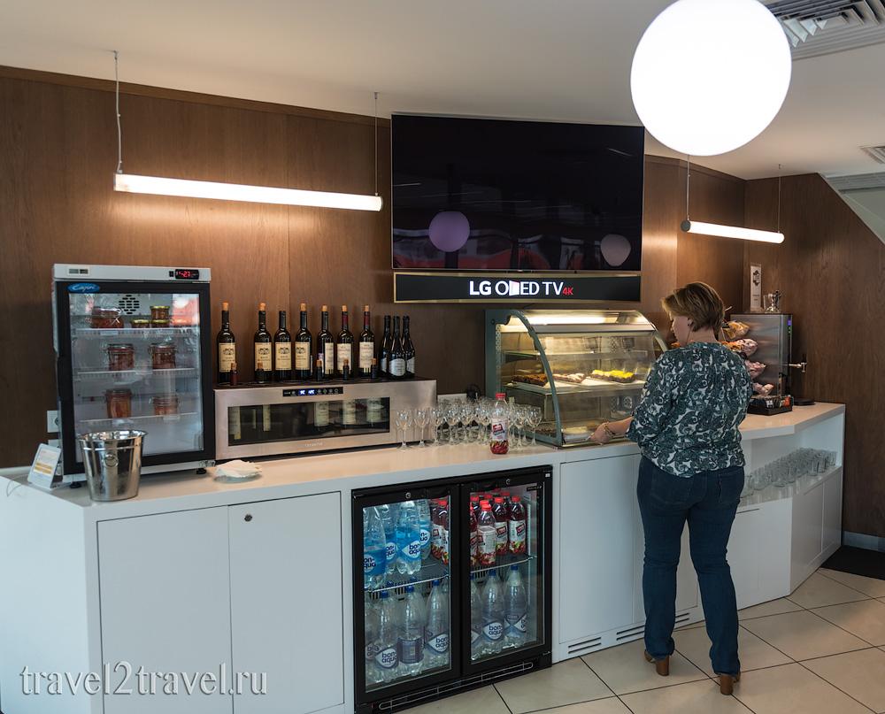 алкогольные спиртные напитки в бизнес-зале Галерея (Gallery Lounge) Шереметьево Терминал D