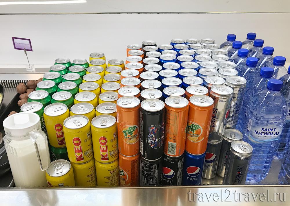 пиво, алкоголь, спиртные напитки в бизнес-зале в Ларнаке (Larnaca) Aspire Lounge, Кипр, лаунж, vip-зал, аэропорт