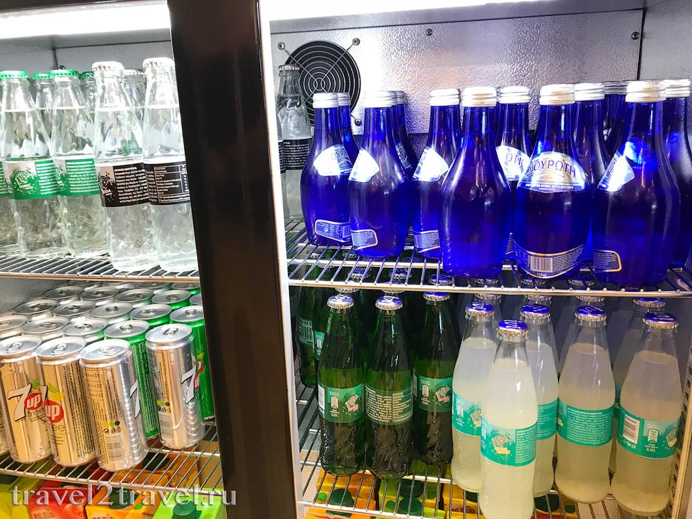 напитки в бизнес-зале в Ларнаке (Larnaca) Aspire Lounge, Кипр, лаунж, vip-зал, аэропорт