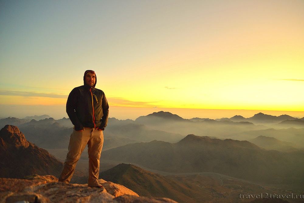рассвет на горе Моисея, 2300 метров, Египет