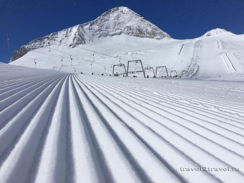 Вельвет на леднике Хинтертукс. Вид на вершину горы Ольперер.