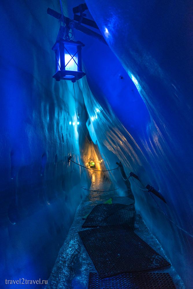 Интерьеры Ледяного дворца. Natural Ice Palace.