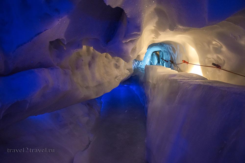 Подземный каньон в Ледяном дворце ледника Хинтертукс.
