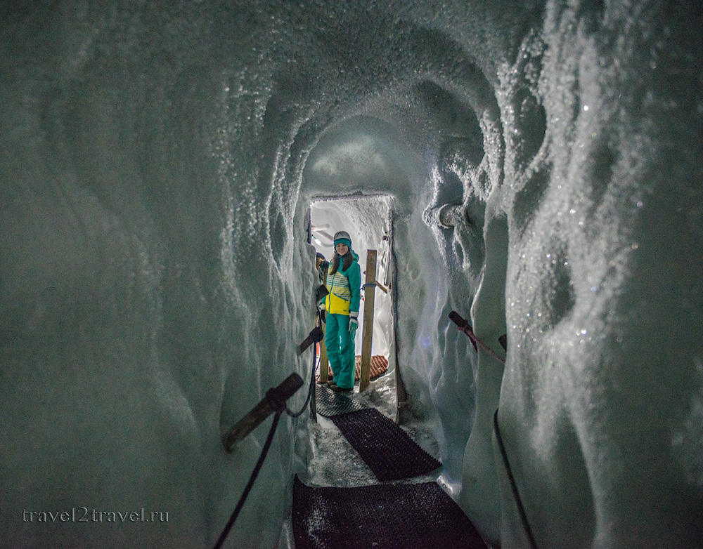 Ледяная пещера Хинтертукса. Natural ice palace of Hintertux glacier.