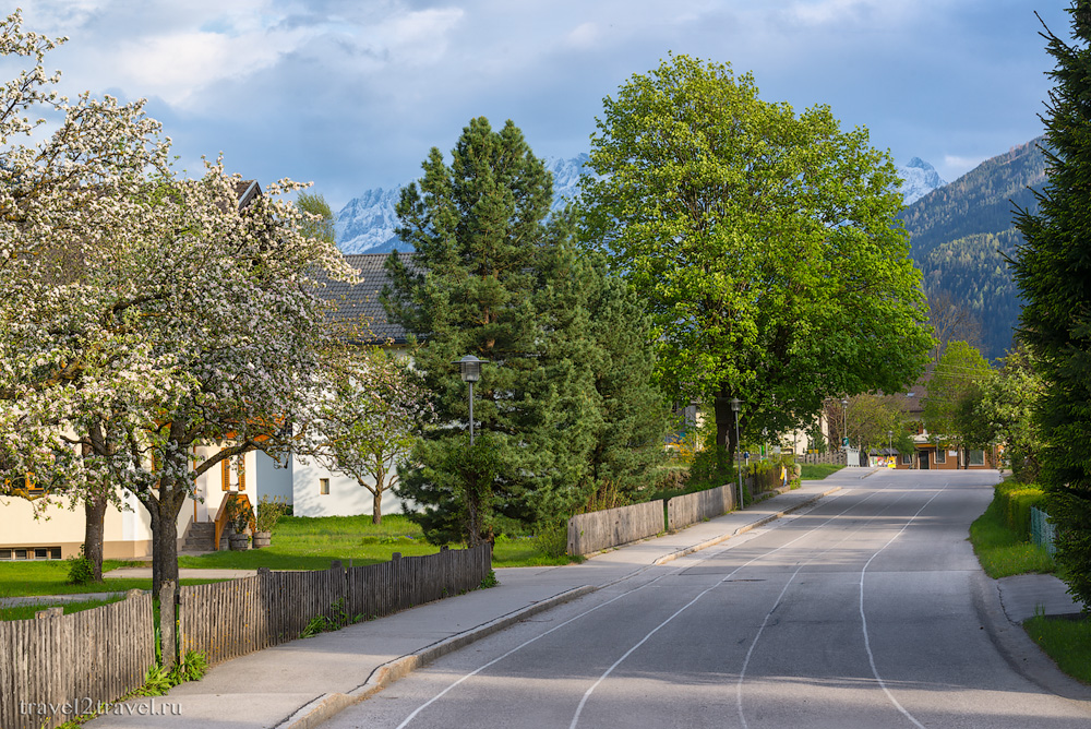 город Айнет по дороге из Австрии в Хорватию через Альпы