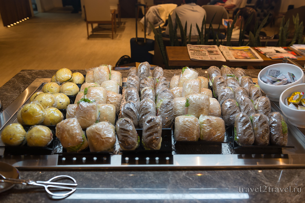 Питание в бизнес-зале Primeclass Lounge в аэропорту Загреба