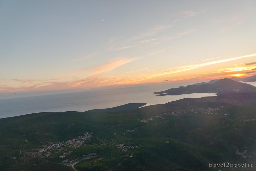взлет рейс YM-612 Тиват-Москва Montenegro Airlines отзыв