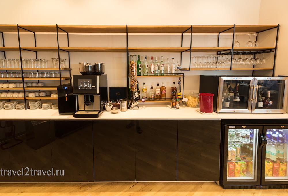 алкоголь, спиртные напитки в бизнес-зале в Ларнаке (Larnaca) Aspire Lounge, Кипр, лаунж, vip-зал, аэропорт